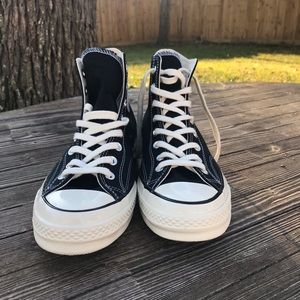 Chuck Taylor Hightop Black and White SZ.9